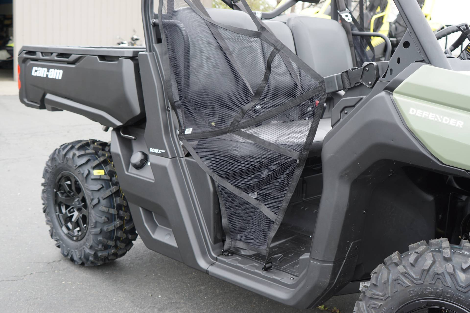 2019 Can-Am™ Defender DPS HD8 6