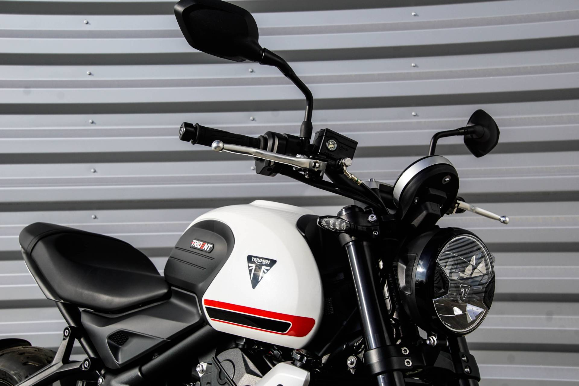 2022 Triumph Trident 660 in Elk Grove, California - Photo 2