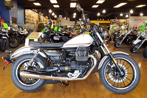 2017 Moto Guzzi V9 Roamer in Elk Grove, California