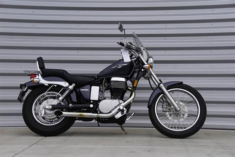2015 Suzuki Boulevard S40 in Elk Grove, California - Photo 2