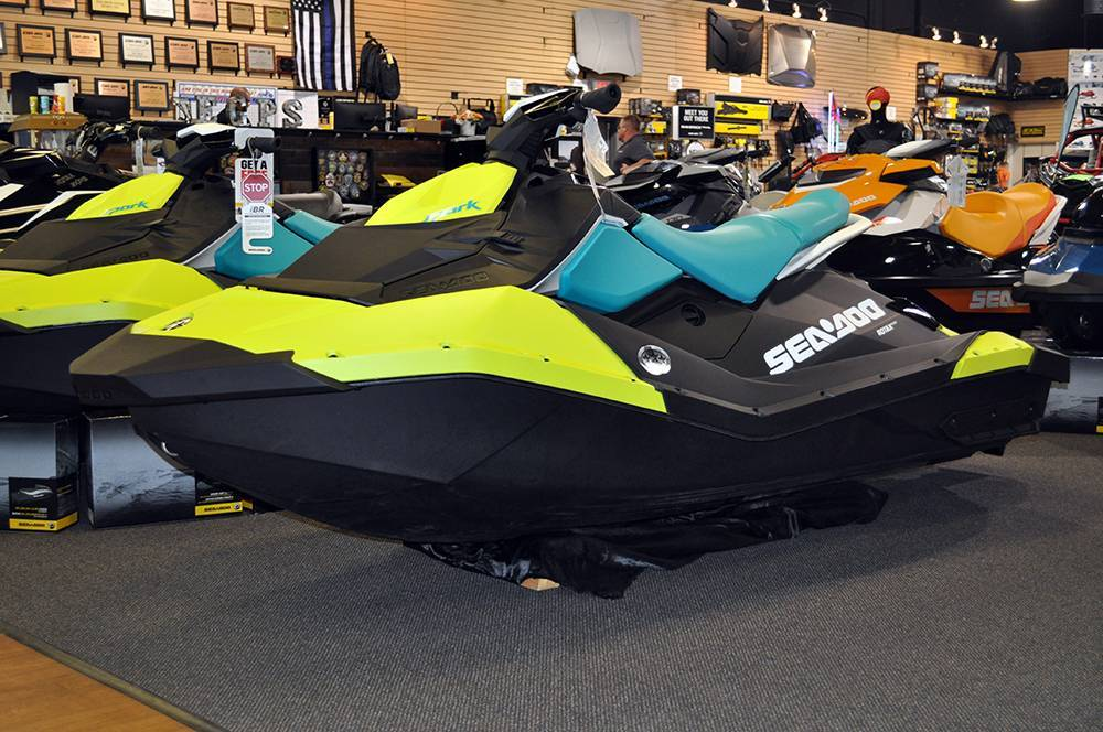 New 2018 Sea-Doo SPARK 3up 900 H.O. ACE iBR & Convenience ...
