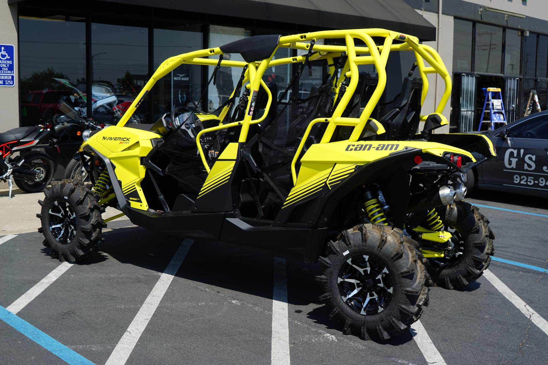 2018 Can-Am Maverick MAX X MR in Elk Grove, California