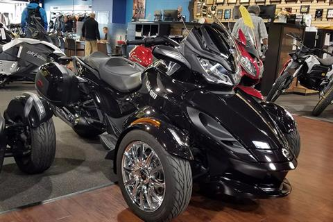 2013 Can-Am Spyder® ST Limited in Elk Grove, California