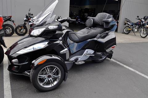 2011 Can-Am Spyder® RT-S SE5 in Elk Grove, California