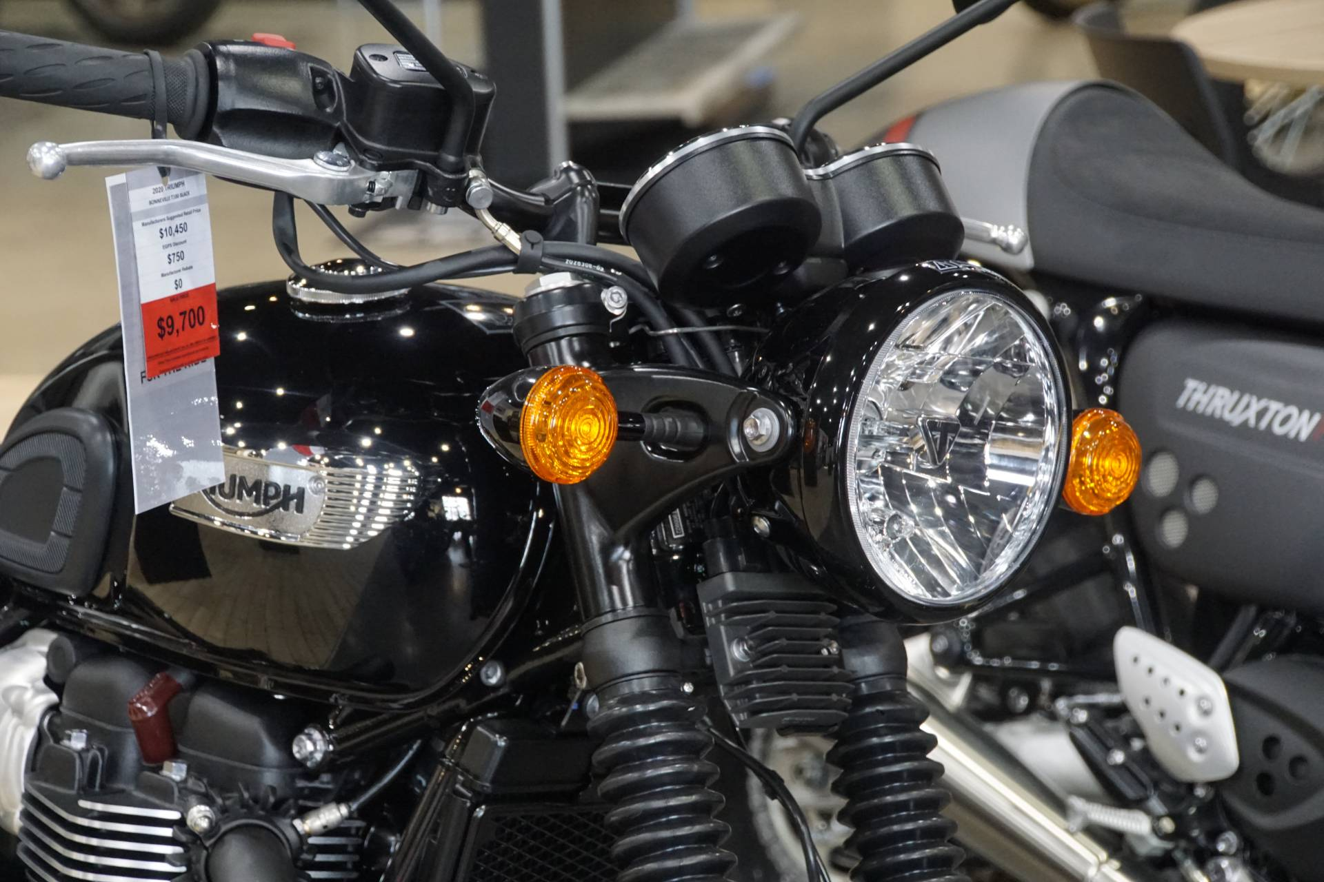 2020 Triumph Bonneville T100 Black in Elk Grove, California - Photo 7