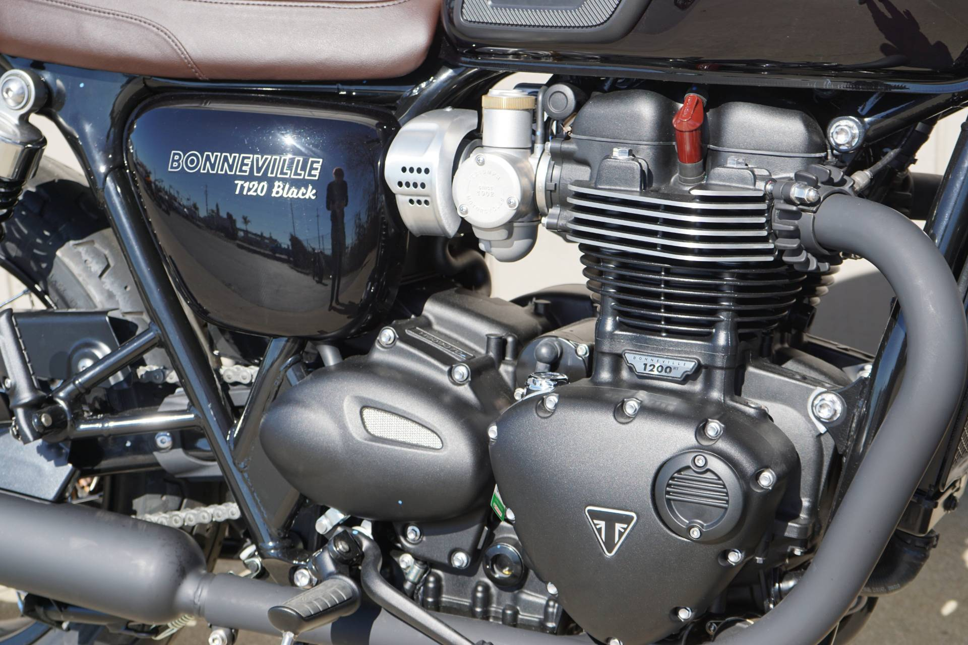 2019 Triumph Bonneville T120 Black in Elk Grove, California - Photo 8