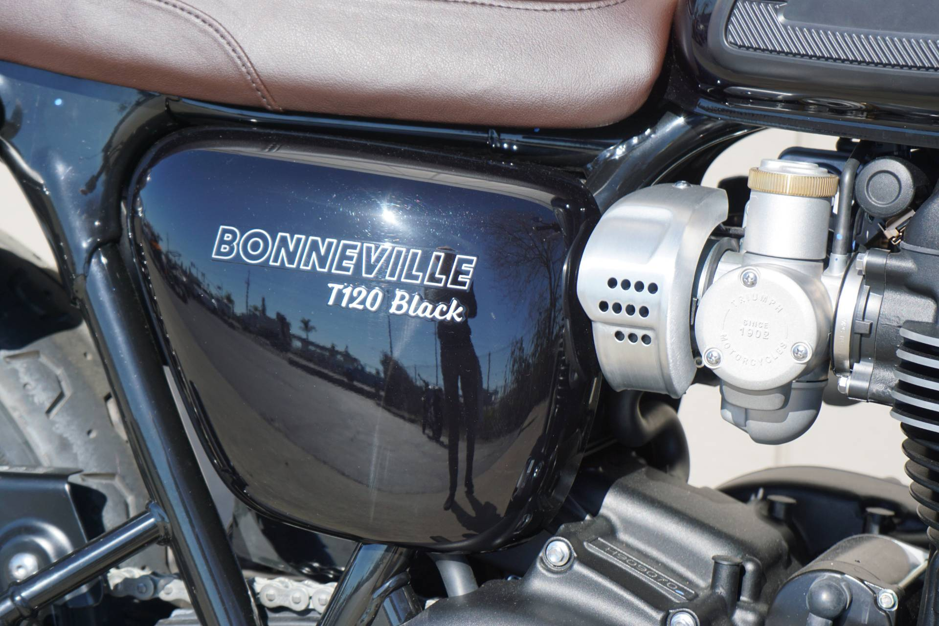 2019 Triumph Bonneville T120 Black in Elk Grove, California - Photo 9