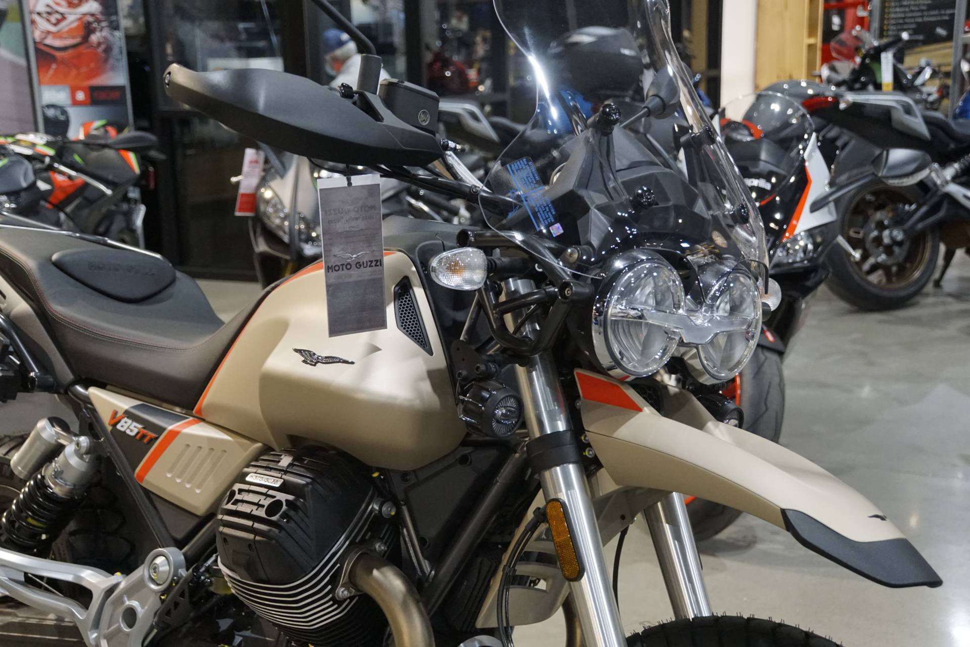 2020 Moto Guzzi V85 TT Travel in Elk Grove, California - Photo 4