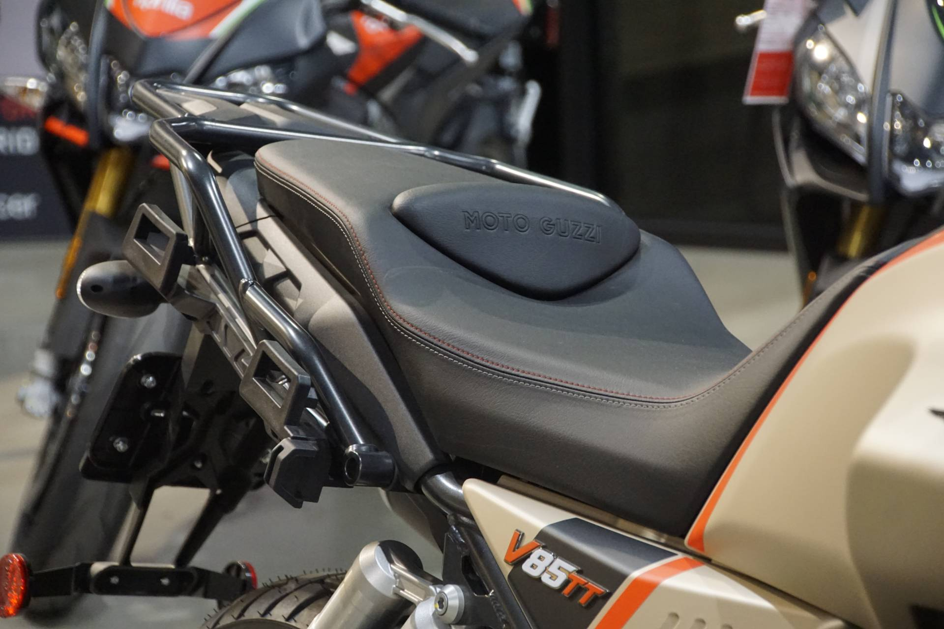 2020 Moto Guzzi V85 TT Travel in Elk Grove, California - Photo 7