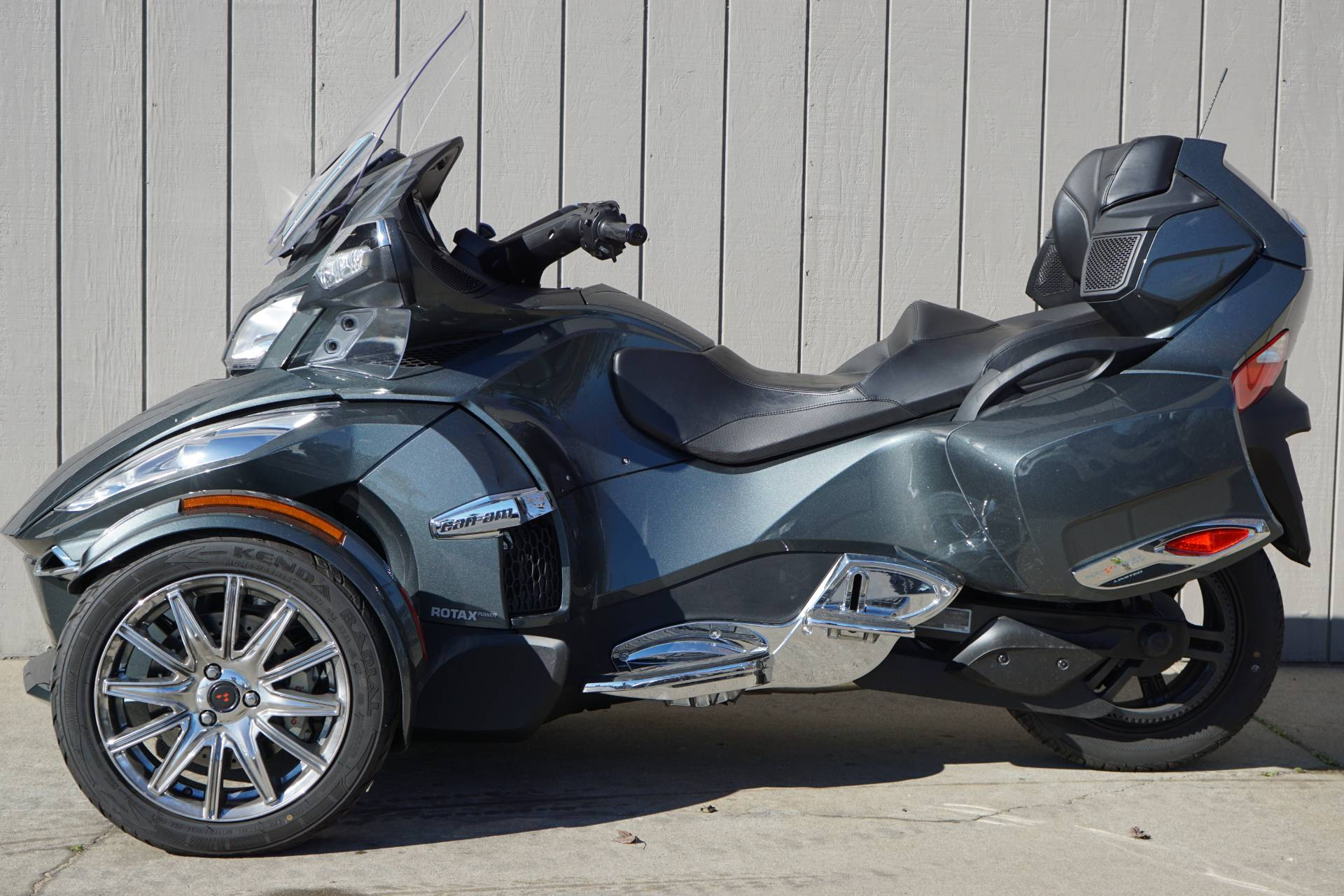 2018 Can-Am Spyder RT Limited in Elk Grove, California