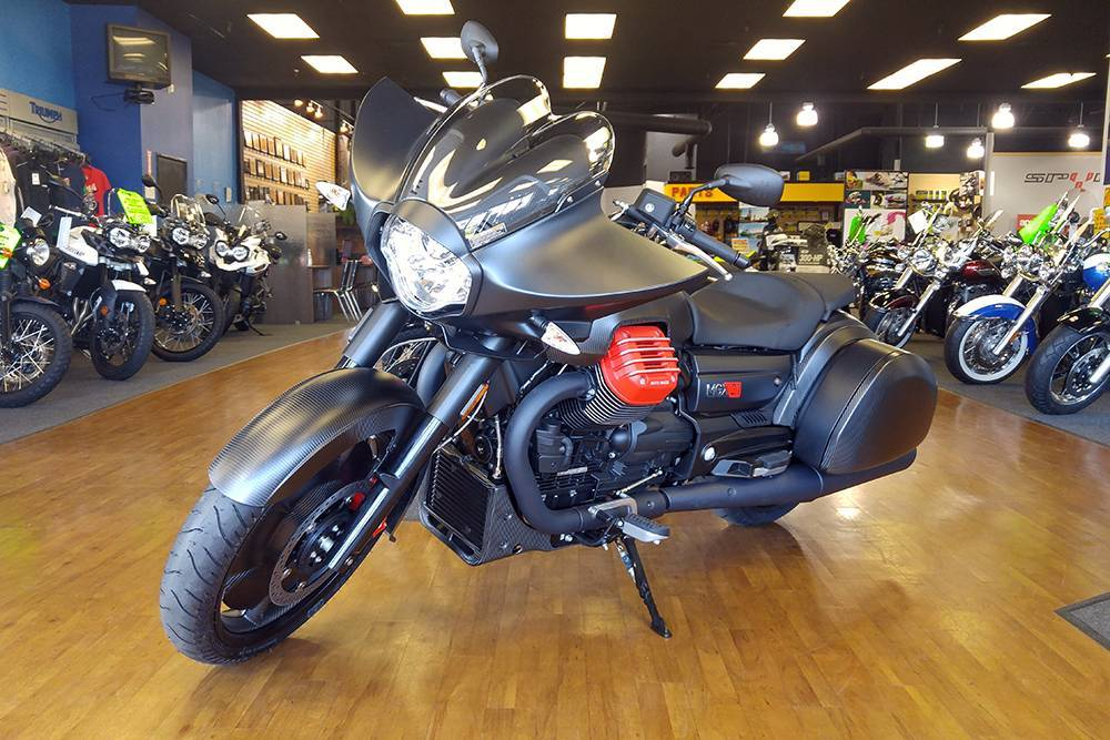 2017 Moto Guzzi MGX-21 in Elk Grove, California