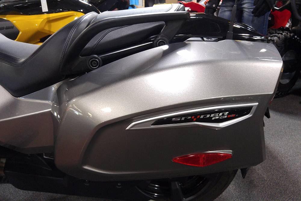 2017 Can-Am Spyder F3-T SE6 in Elk Grove, California
