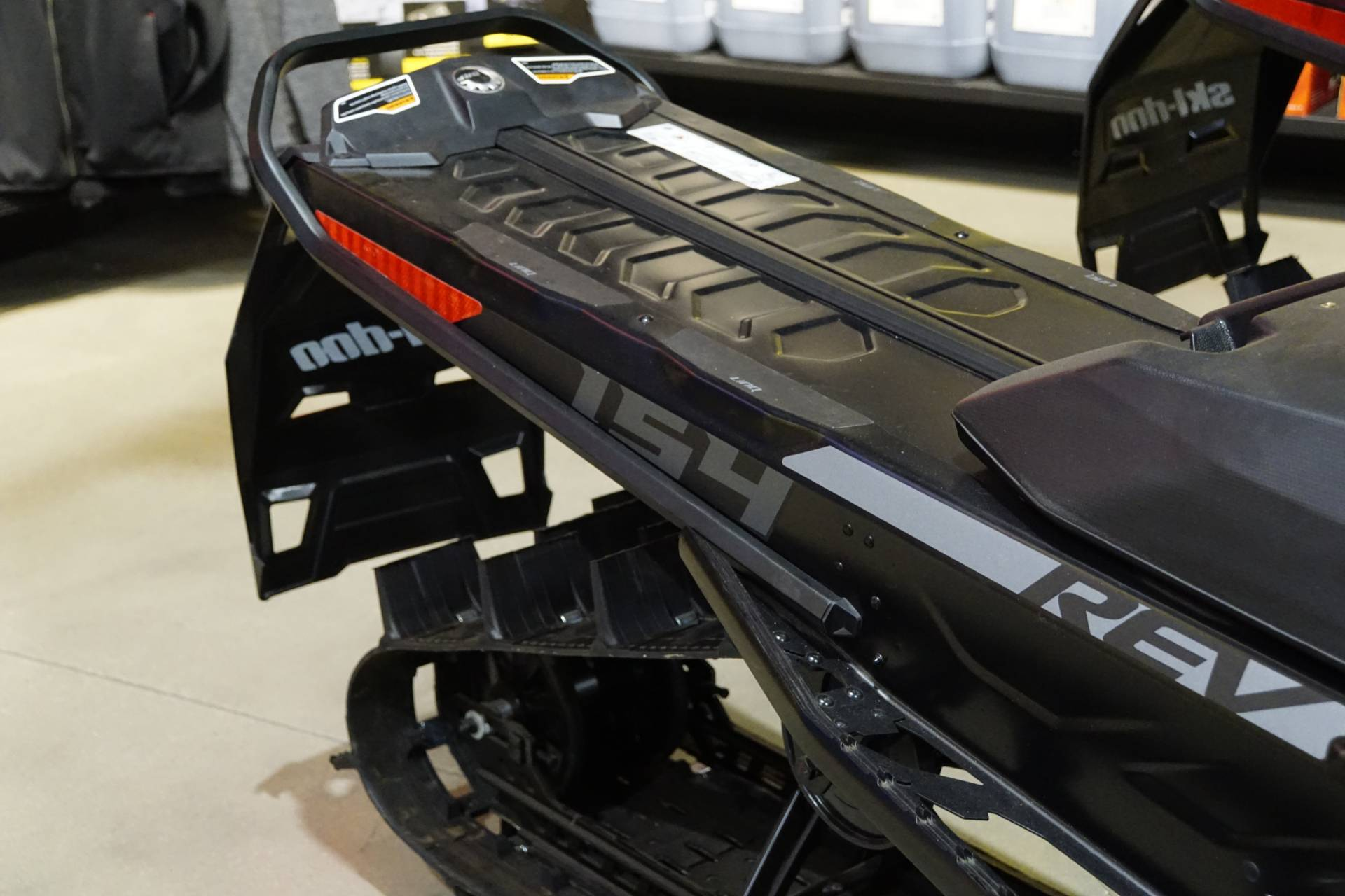 2020 Ski-Doo Summit SP 154 600R E-TEC SHOT PowderMax Light 3.0 w/ FlexEdge in Elk Grove, California - Photo 4