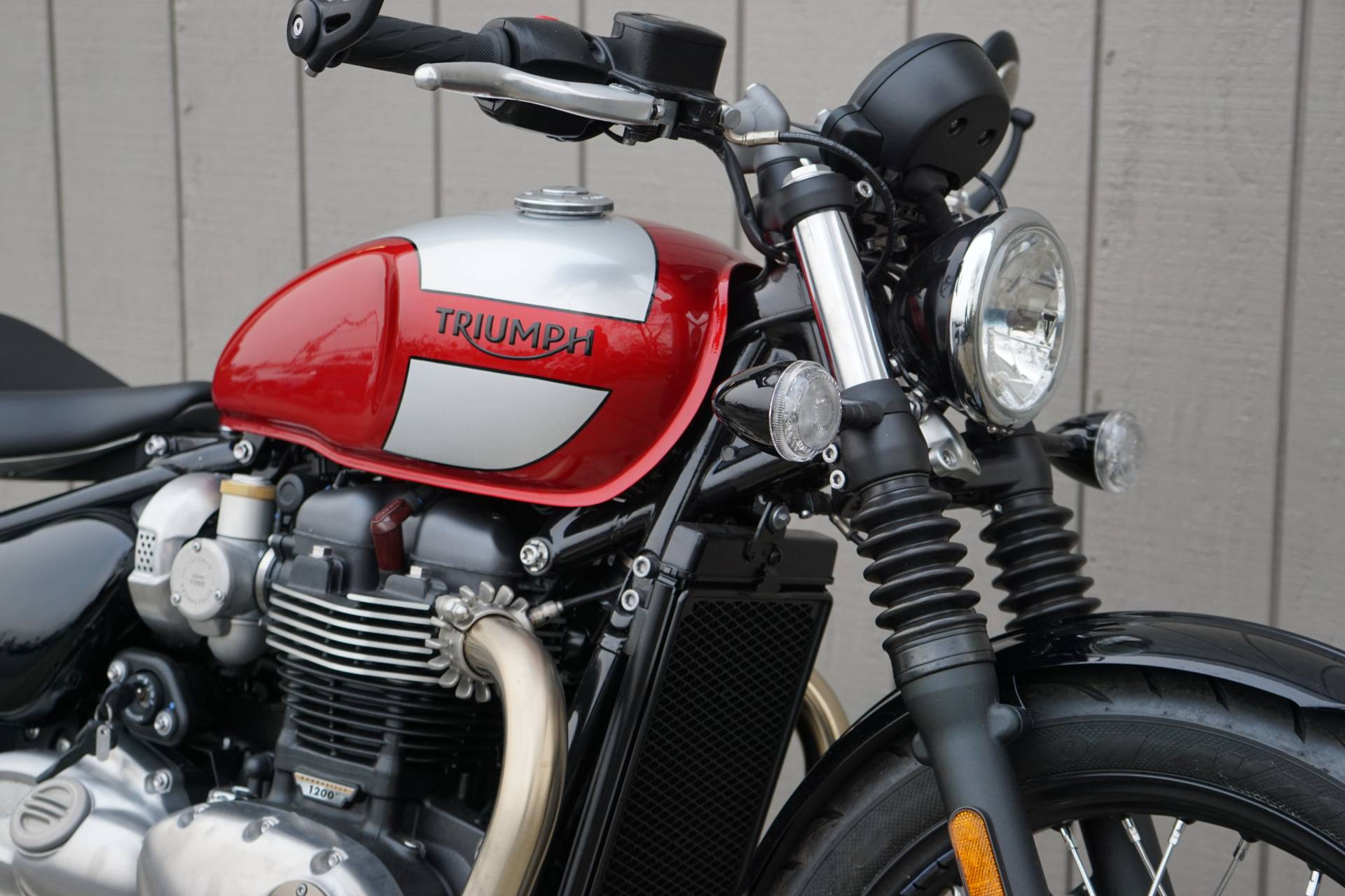 2019 Triumph Bonneville Bobber in Elk Grove, California - Photo 6