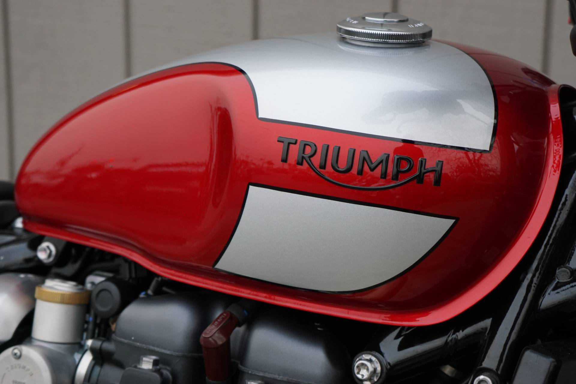 2019 Triumph Bonneville Bobber in Elk Grove, California - Photo 7