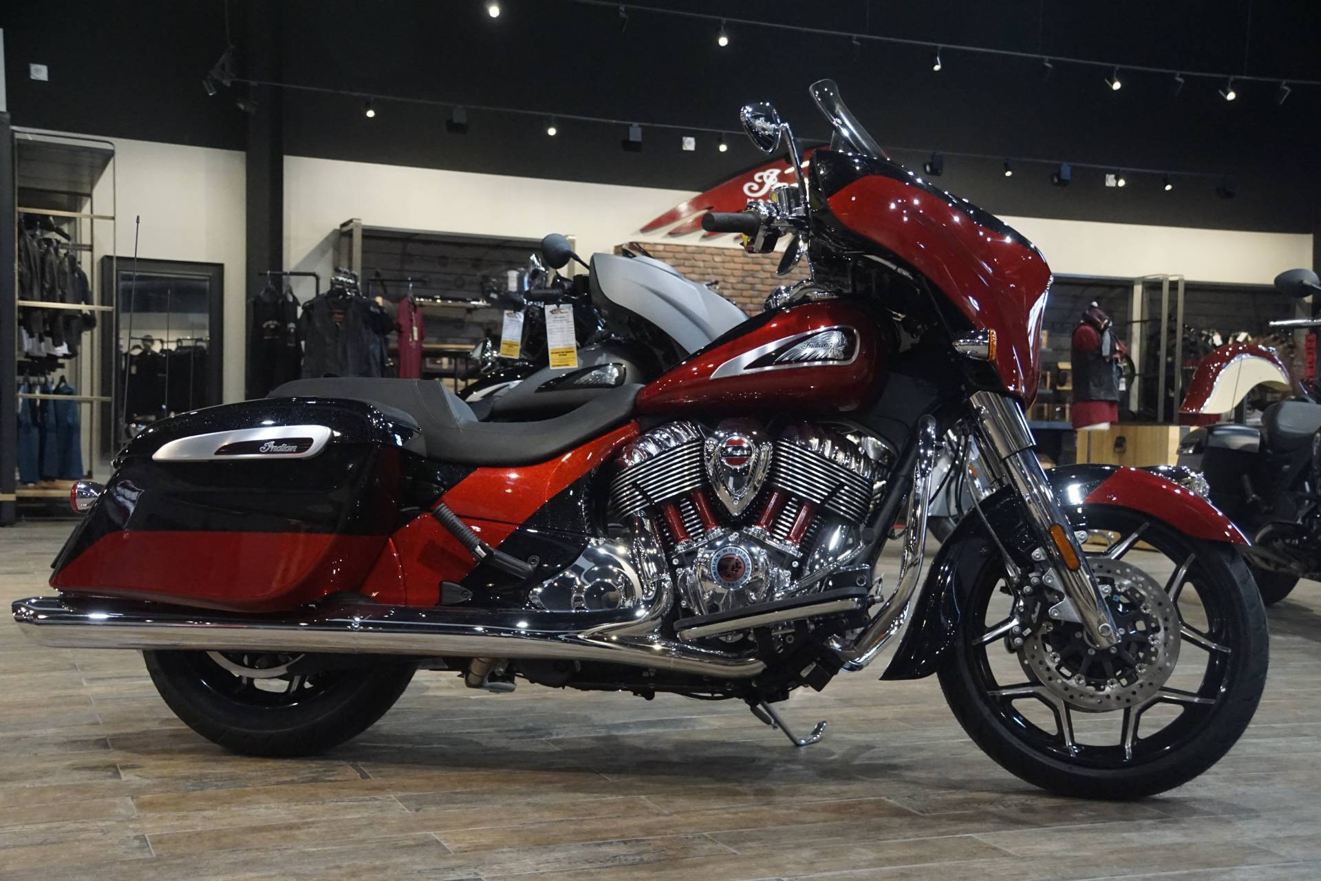 2020 Indian Chieftain® Elite in Elk Grove, California - Photo 2