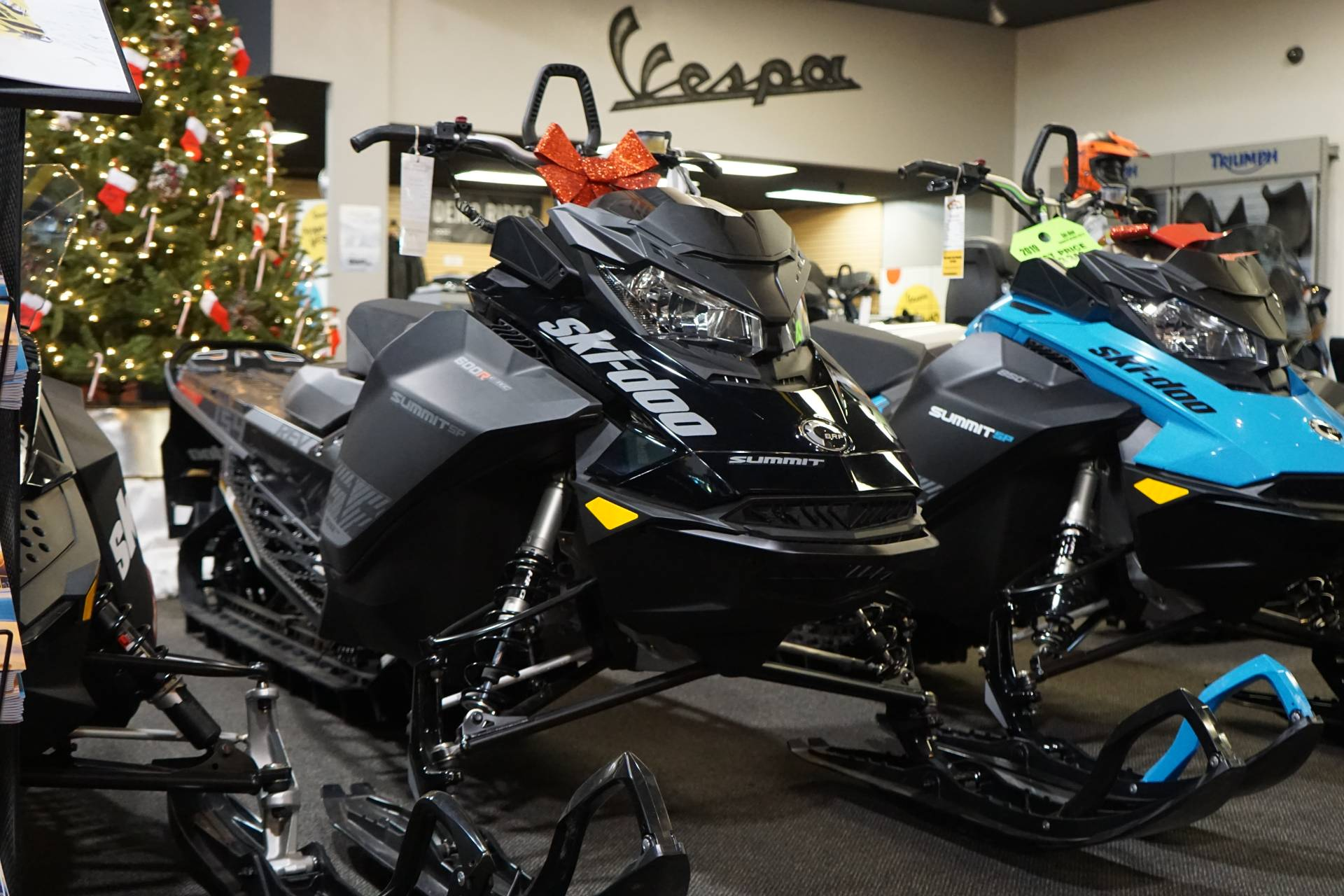 2019 Ski-Doo Summit SP 154 600R E-TEC SHOT PowderMax Light 3.0 w/ FlexEdge in Elk Grove, California - Photo 1