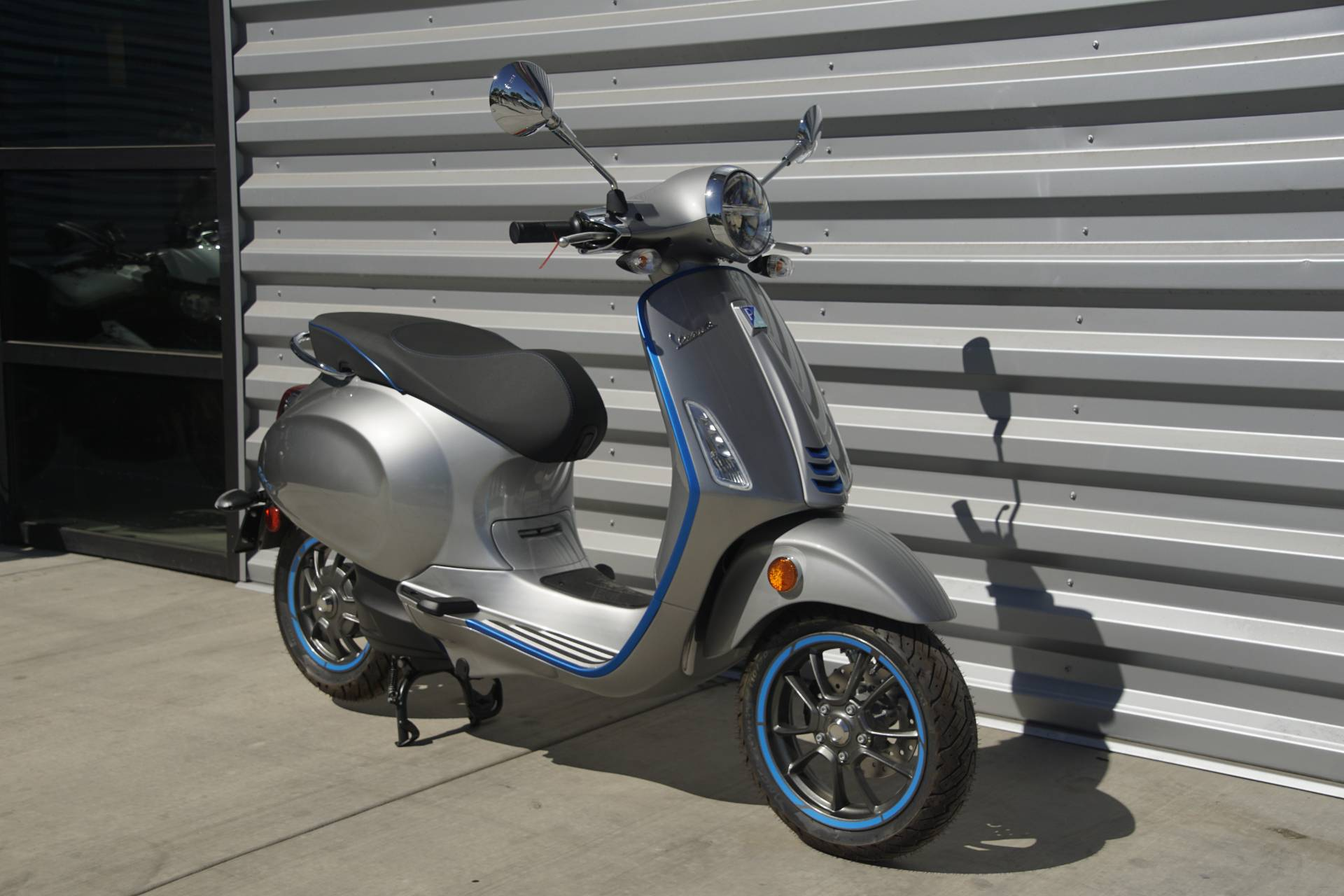 2020 Vespa Elettrica 30 MPH in Elk Grove, California - Photo 3