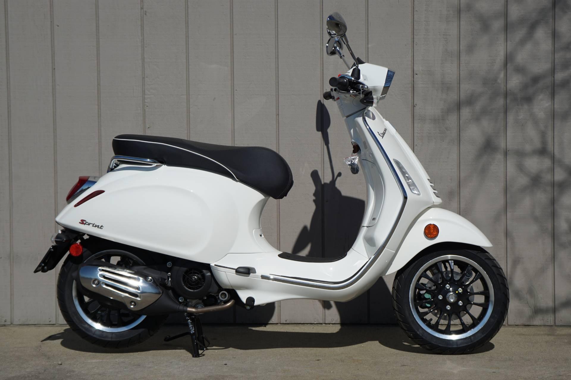 New 2019 Vespa Sprint 150 Scooters In Elk Grove, CA
