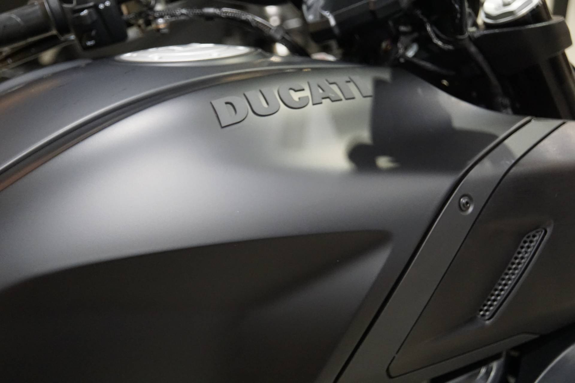 2021 Ducati Diavel 1260 in Elk Grove, California - Photo 3