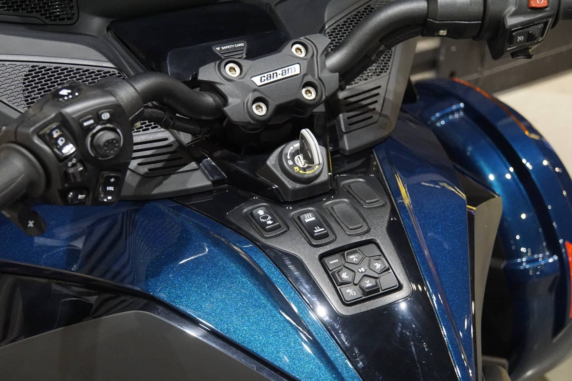 2020 Can-Am Spyder RT in Elk Grove, California - Photo 7