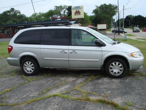 2006 Chrysler Town and Country Touring in Elkhorn, Wisconsin