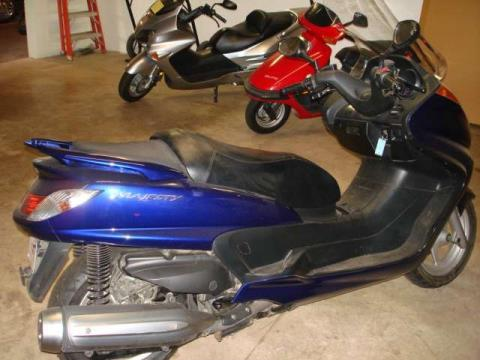 2005 Yamaha Majesty in Elkhorn, Wisconsin