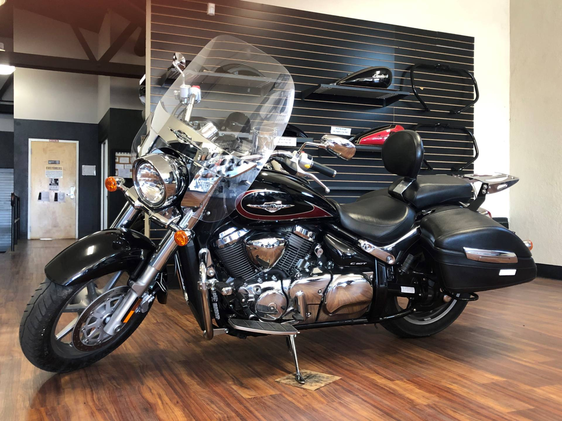 2016 Suzuki Boulevard C90T in Hollister, California - Photo 3