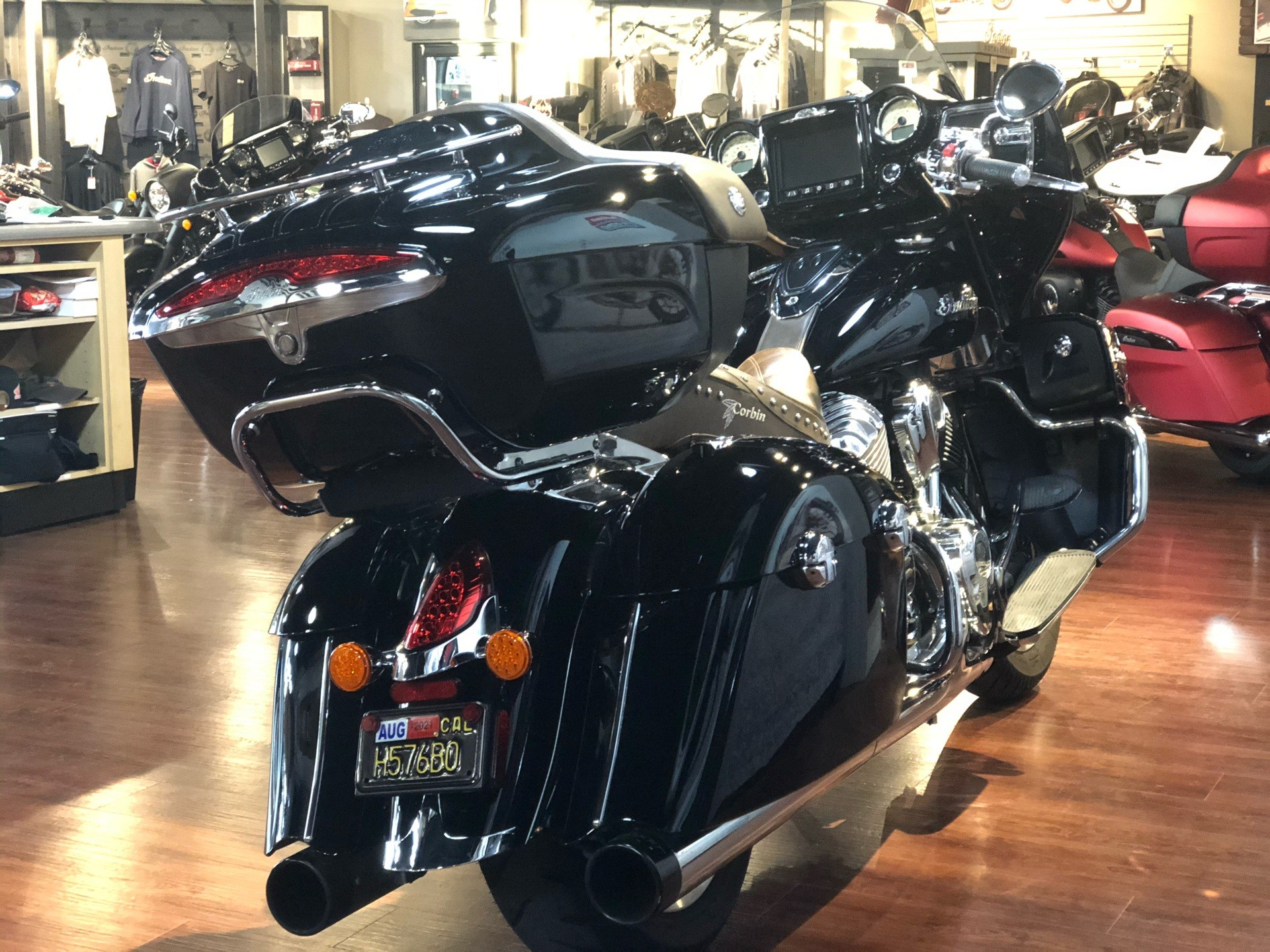 2017 Indian Roadmaster® in Hollister, California - Photo 6