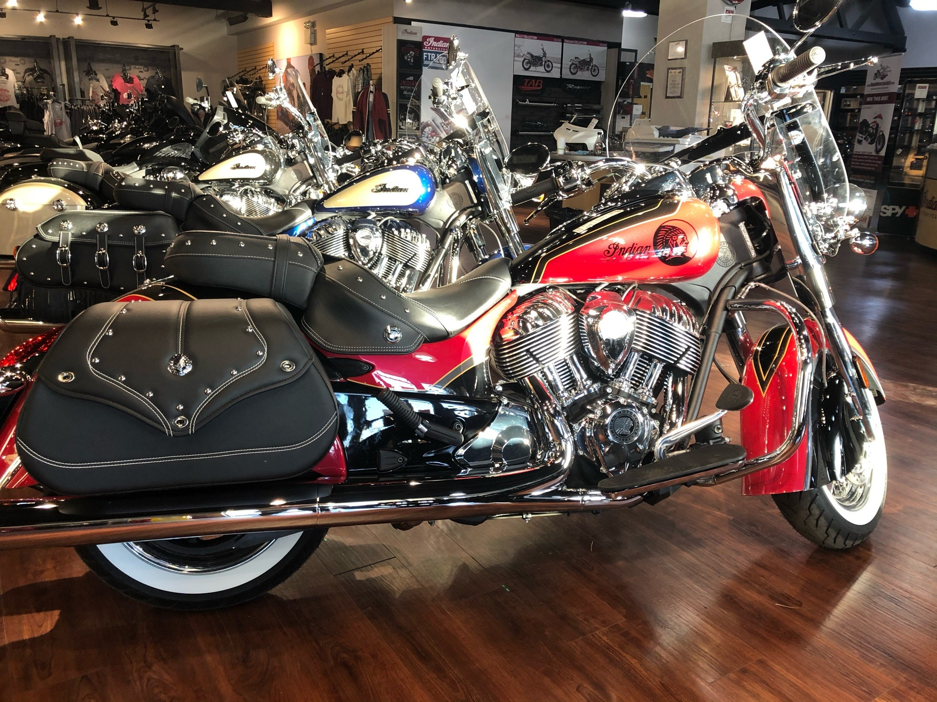 2021 Indian Vintage in Hollister, California - Photo 4