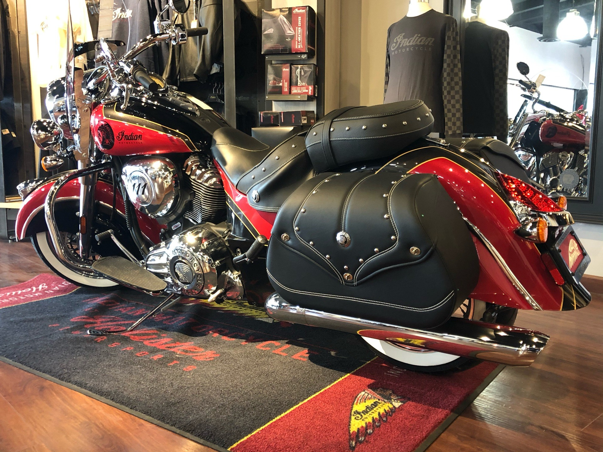 2021 Indian Vintage in Hollister, California - Photo 3