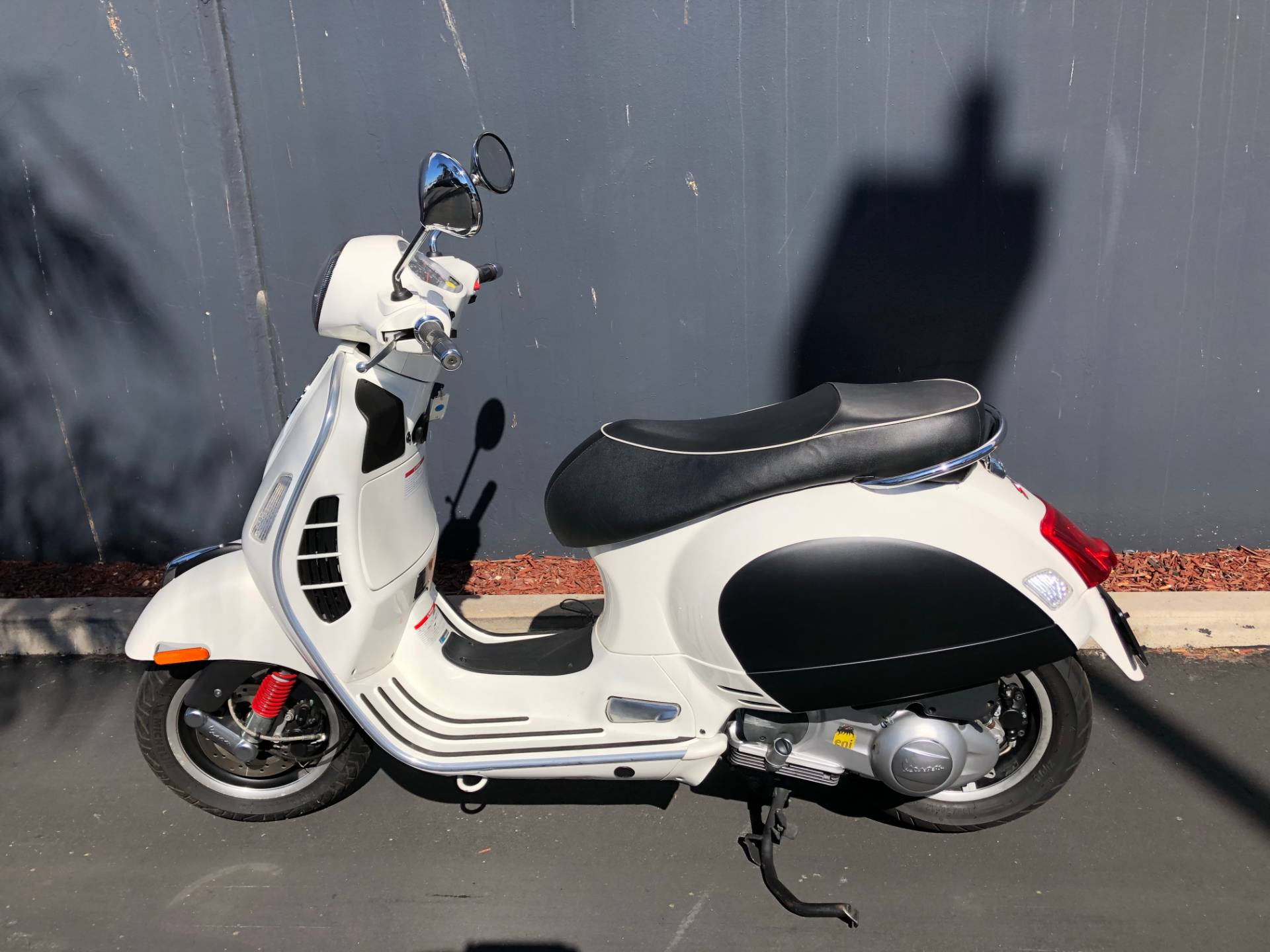 2014 Vespa GTS 300 i.e. Super in Chula Vista, California