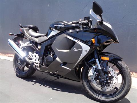 2016 Hyosung GT250R in Chula Vista, California - Photo 2