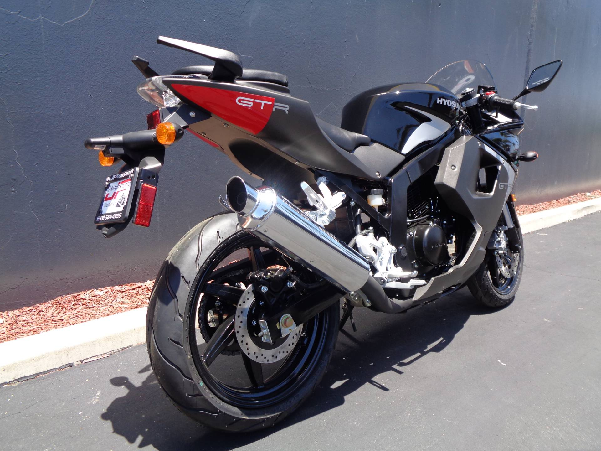 2016 Hyosung GT250R in Chula Vista, California - Photo 3