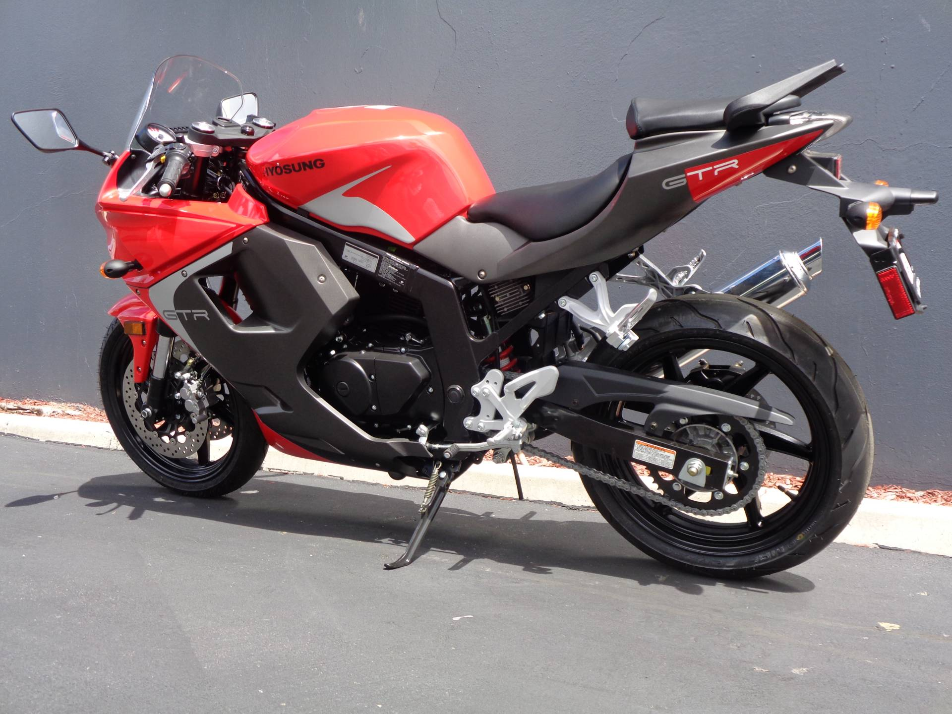 2016 Hyosung GT250R in Chula Vista, California - Photo 12