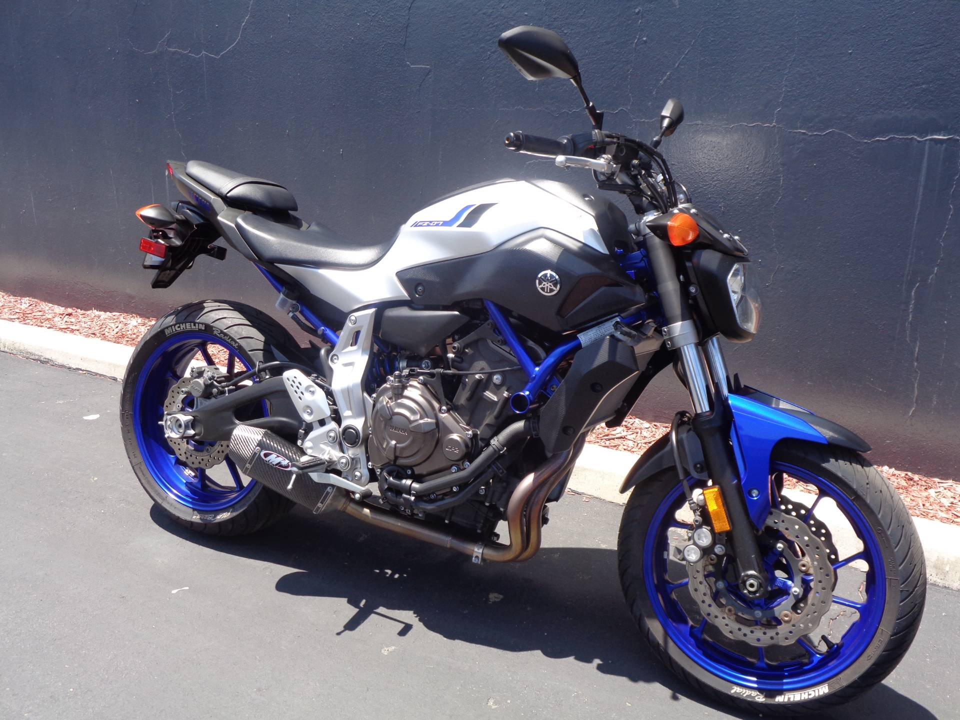 2016 Yamaha FZ-07 in Chula Vista, California - Photo 2