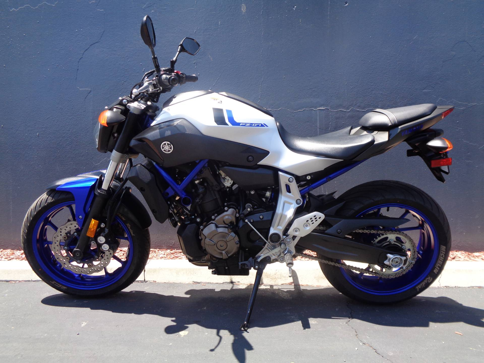2016 Yamaha FZ-07 in Chula Vista, California - Photo 9