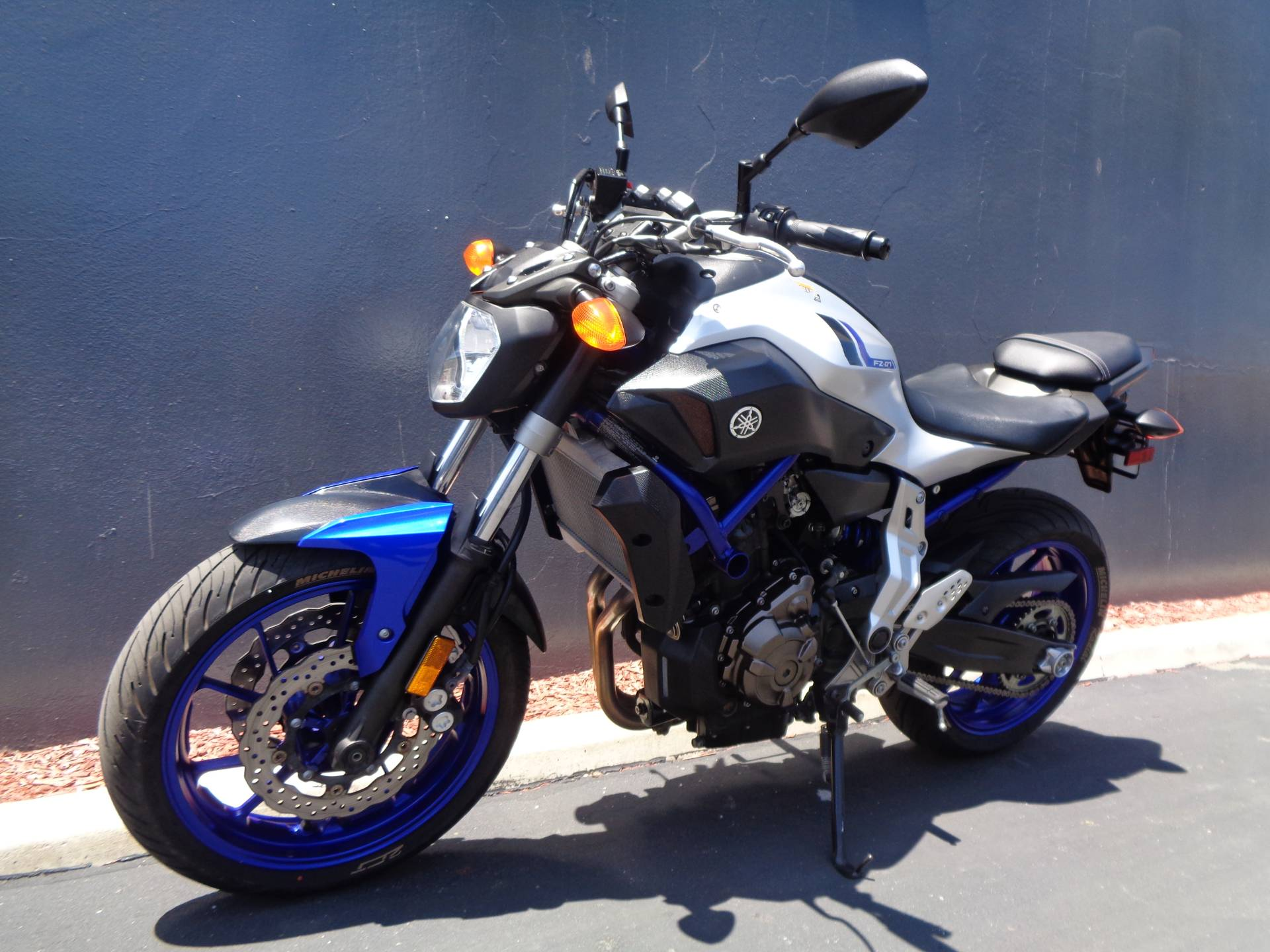 2016 Yamaha FZ-07 in Chula Vista, California - Photo 10