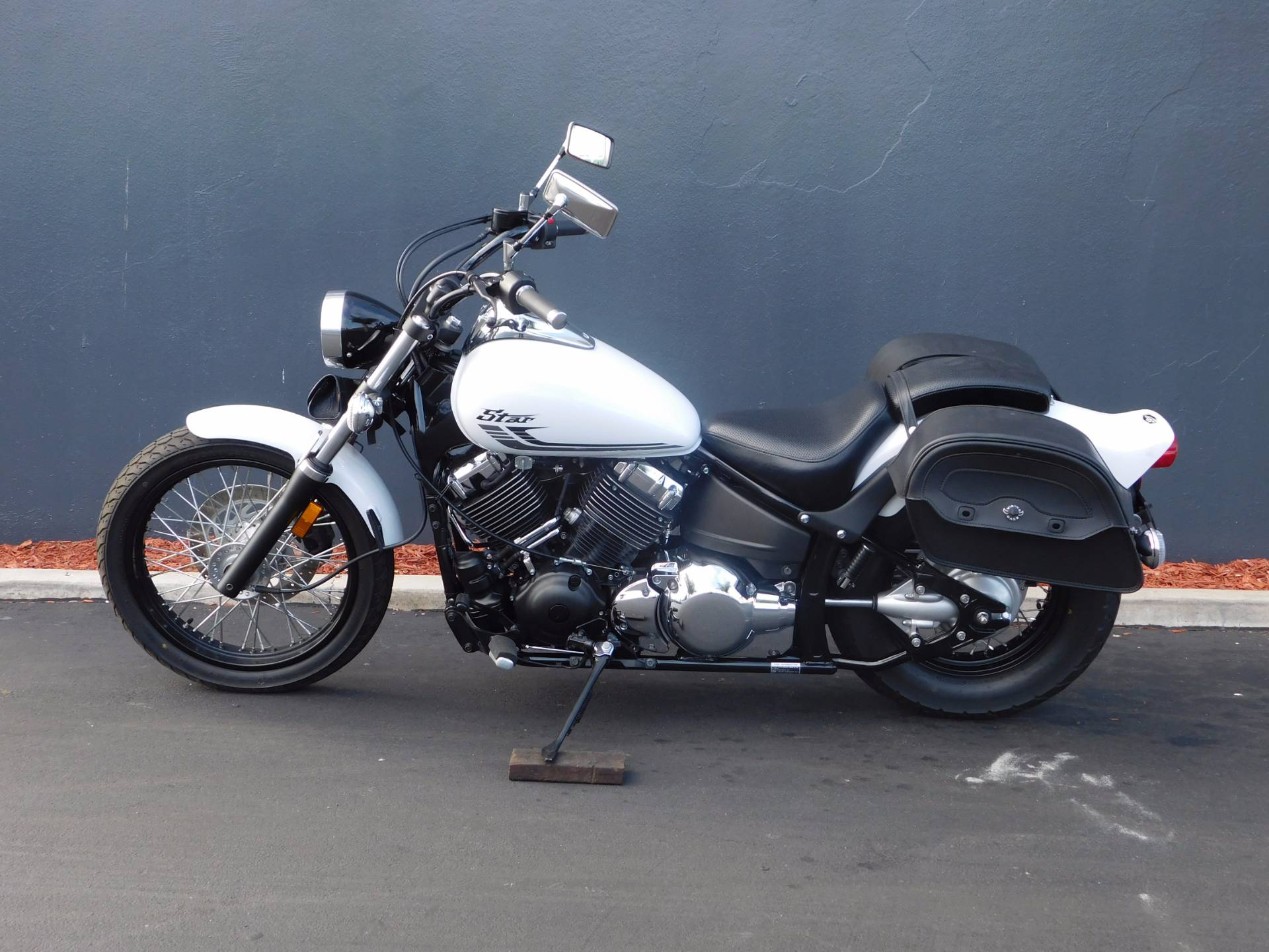 2016 Yamaha V Star 650 Custom in Chula Vista, California - Photo 13