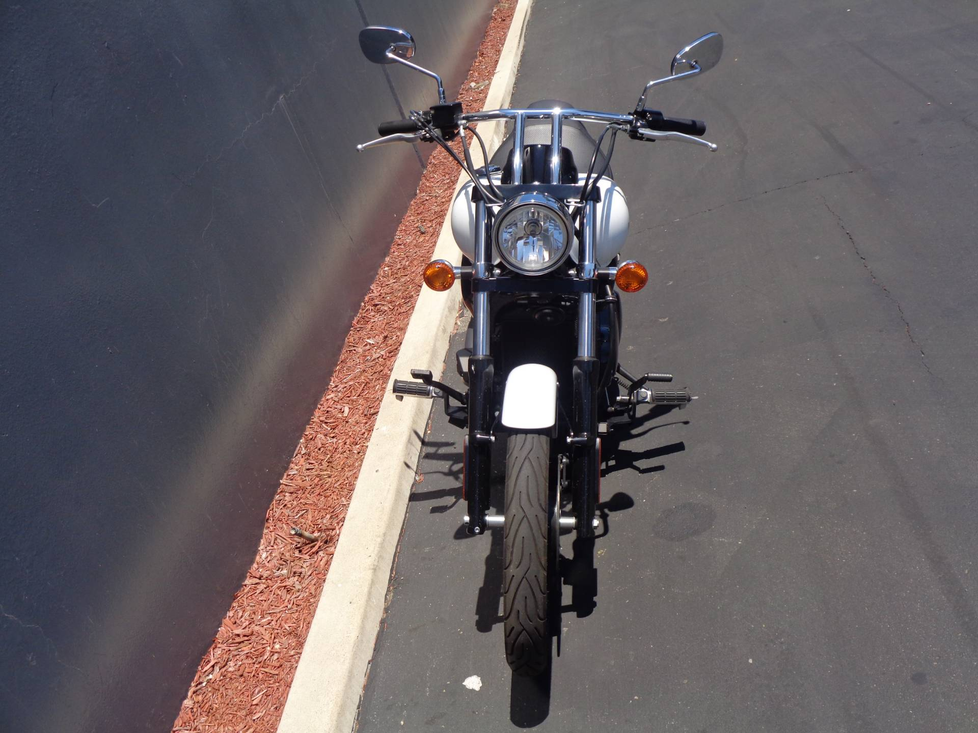 2016 Kawasaki Vulcan 900 Custom in Chula Vista, California - Photo 15