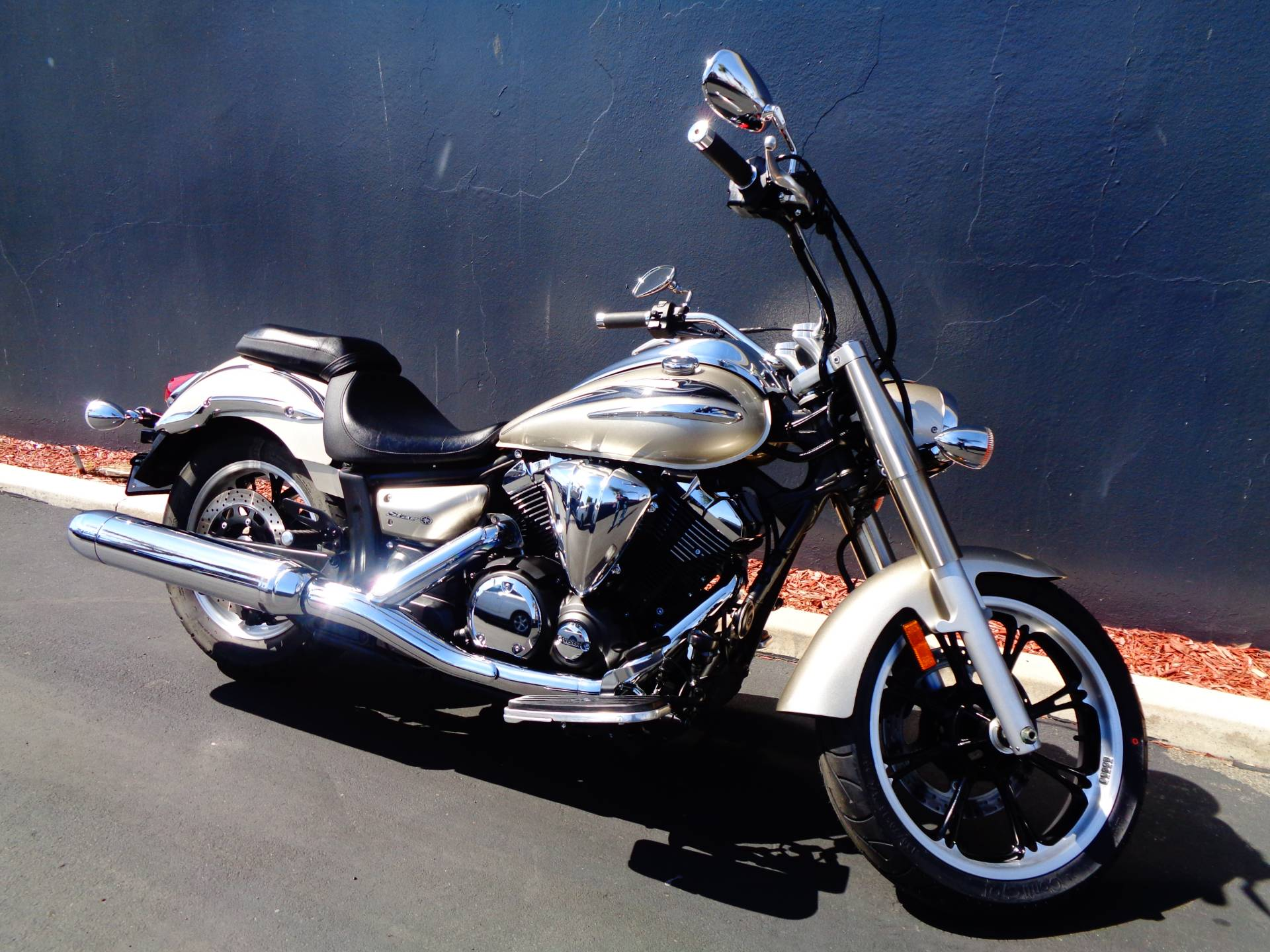 2010 Yamaha V Star 950 Tourer in Chula Vista, California - Photo 2