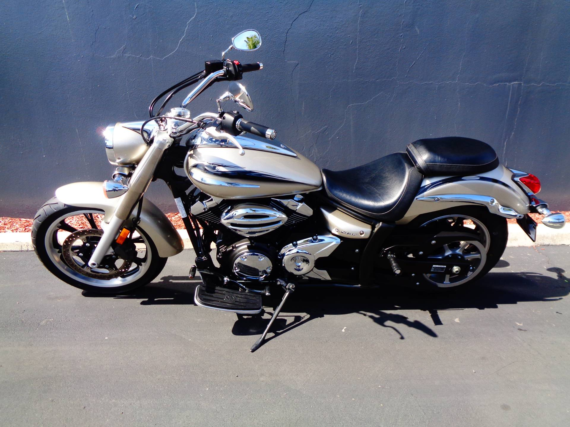 2010 Yamaha V Star 950 Tourer in Chula Vista, California - Photo 10