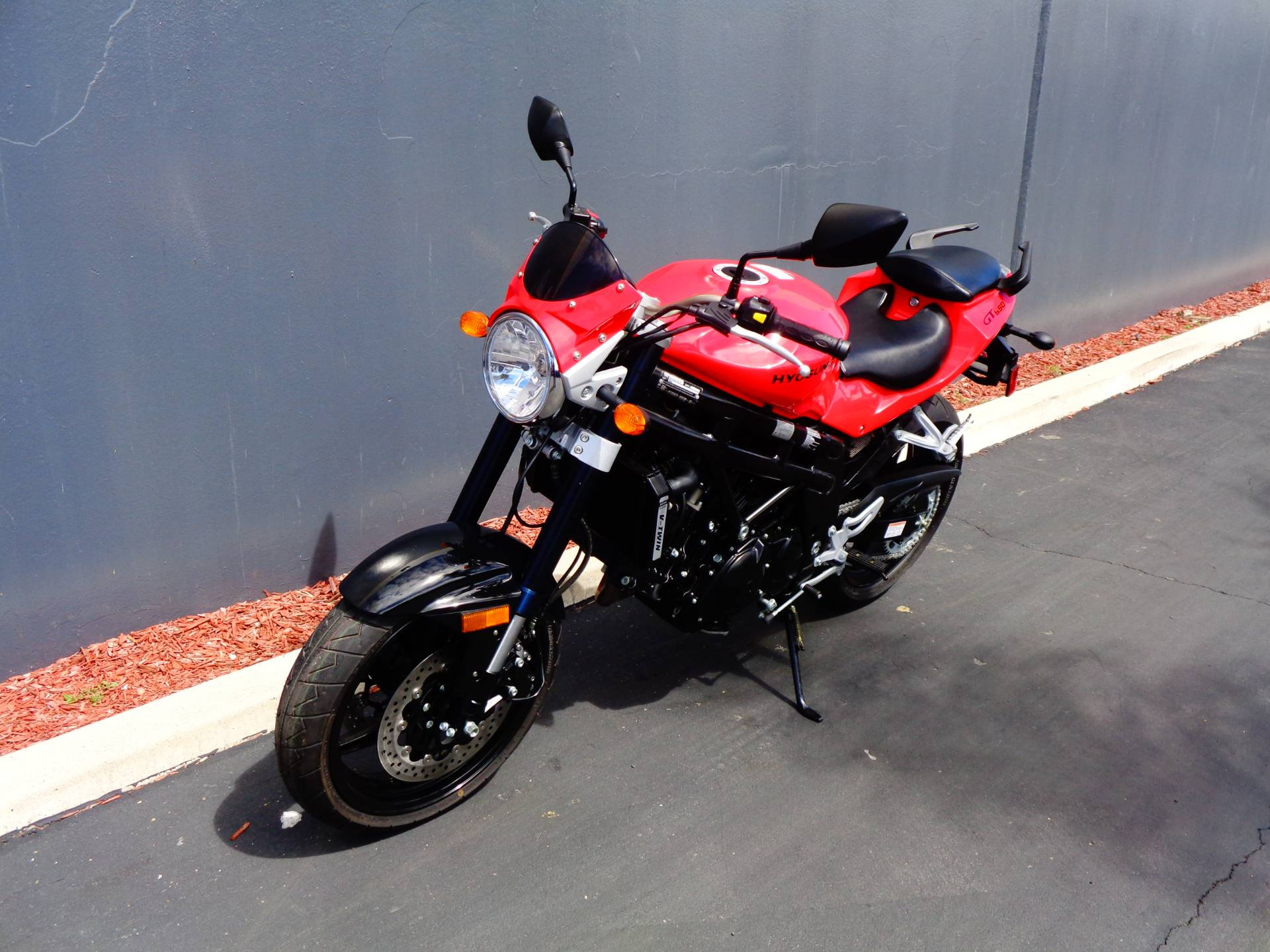 2010 Hyosung GT650 in Chula Vista, California - Photo 9