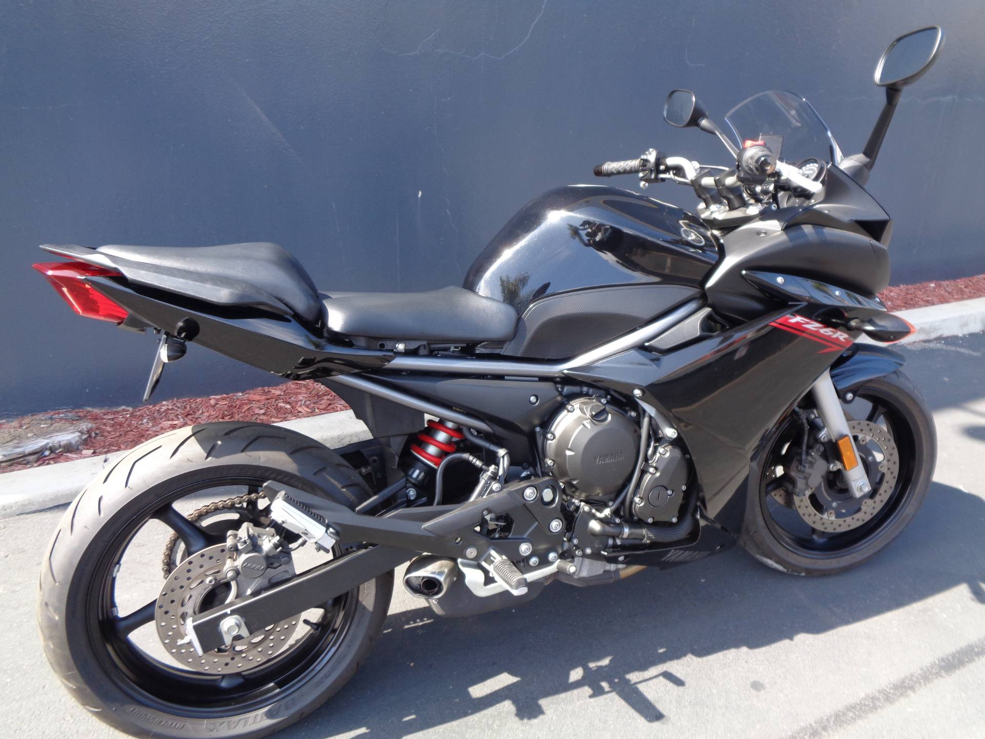2011 Yamaha FZ6R in Chula Vista, California - Photo 3