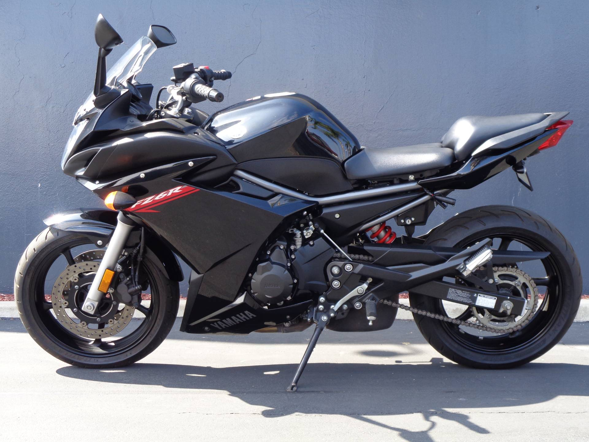 2011 Yamaha FZ6R in Chula Vista, California - Photo 9