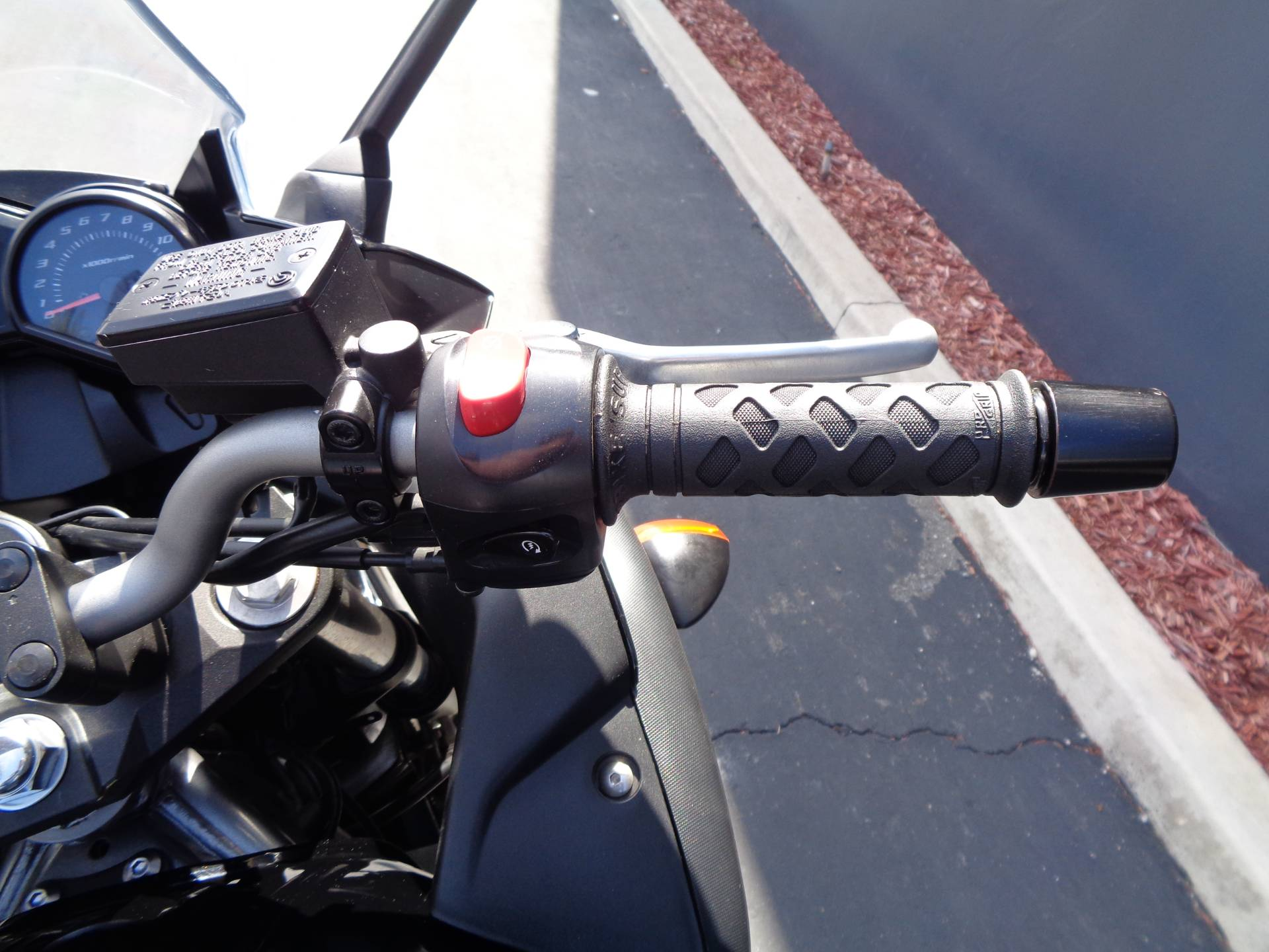 2011 Yamaha FZ6R in Chula Vista, California - Photo 20