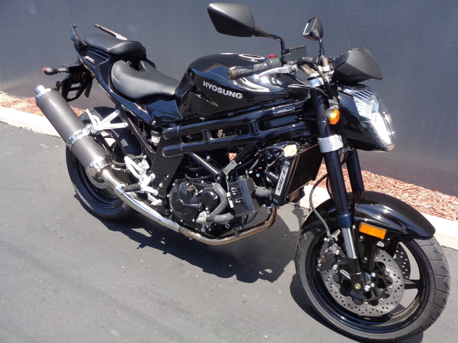 2015 Hyosung GT650 in Chula Vista, California - Photo 2