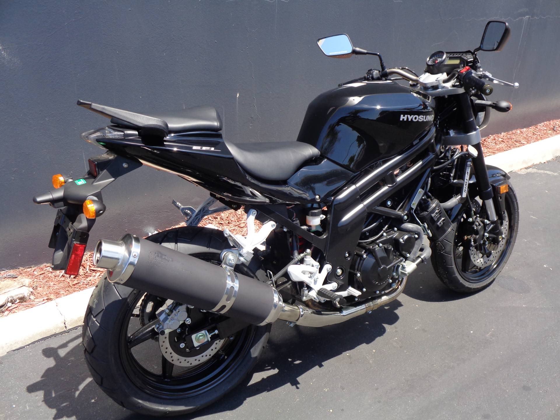 2015 Hyosung GT650 in Chula Vista, California - Photo 3