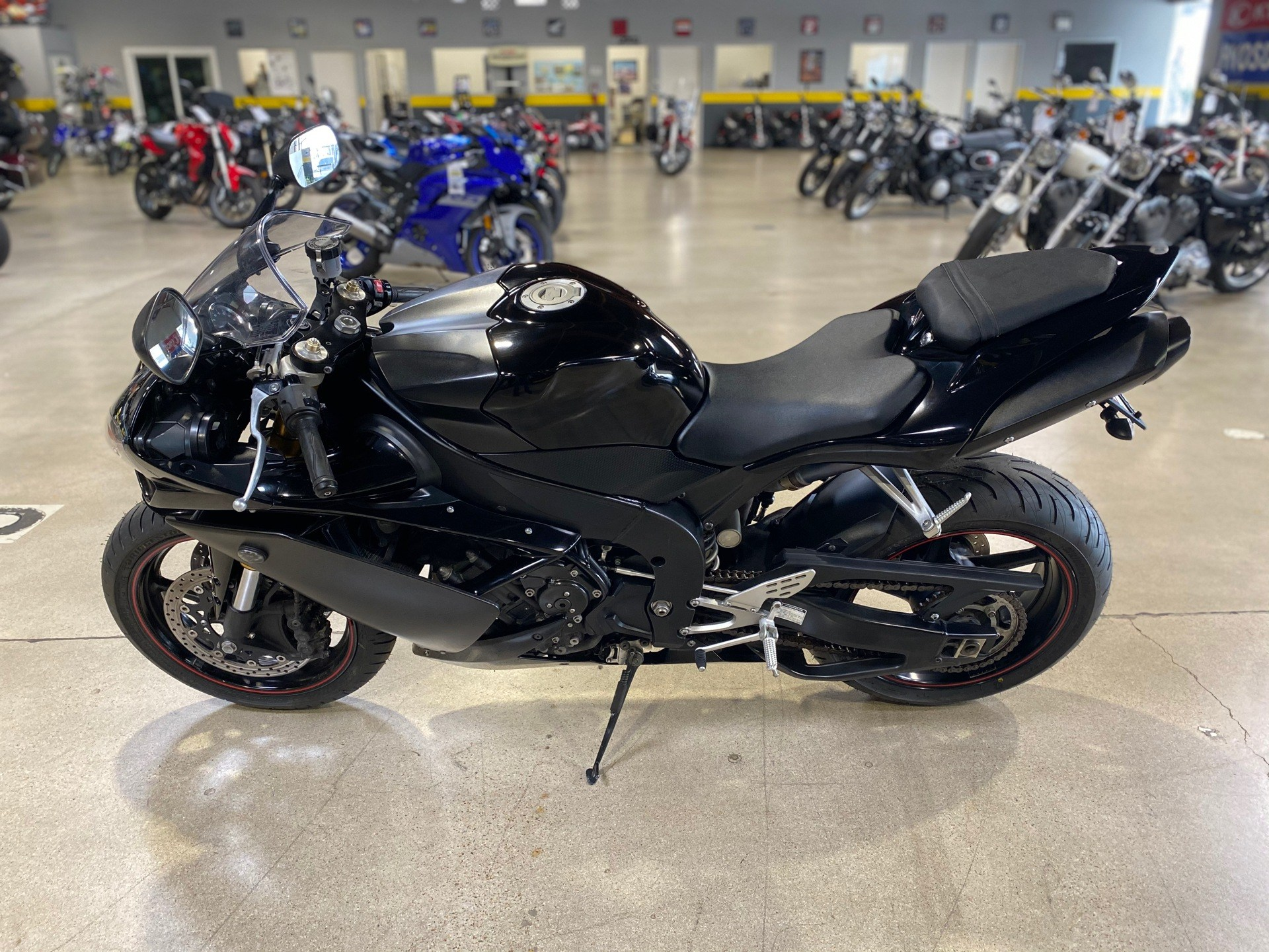 2007 Yamaha YZF-R1 in Chula Vista, California - Photo 5