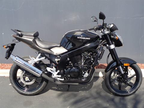 2016 Hyosung GT250 in Chula Vista, California - Photo 1